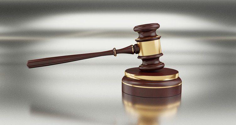 Адвокати и правните услуги