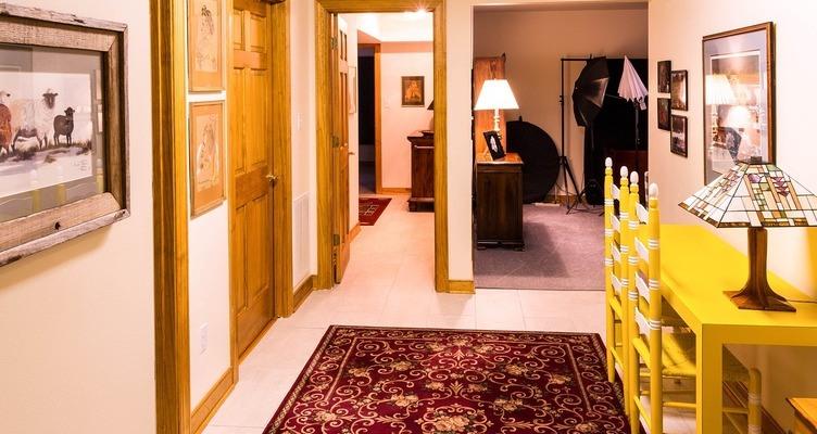 Няколко съвета за боядисване и лакиране на интериорни врати